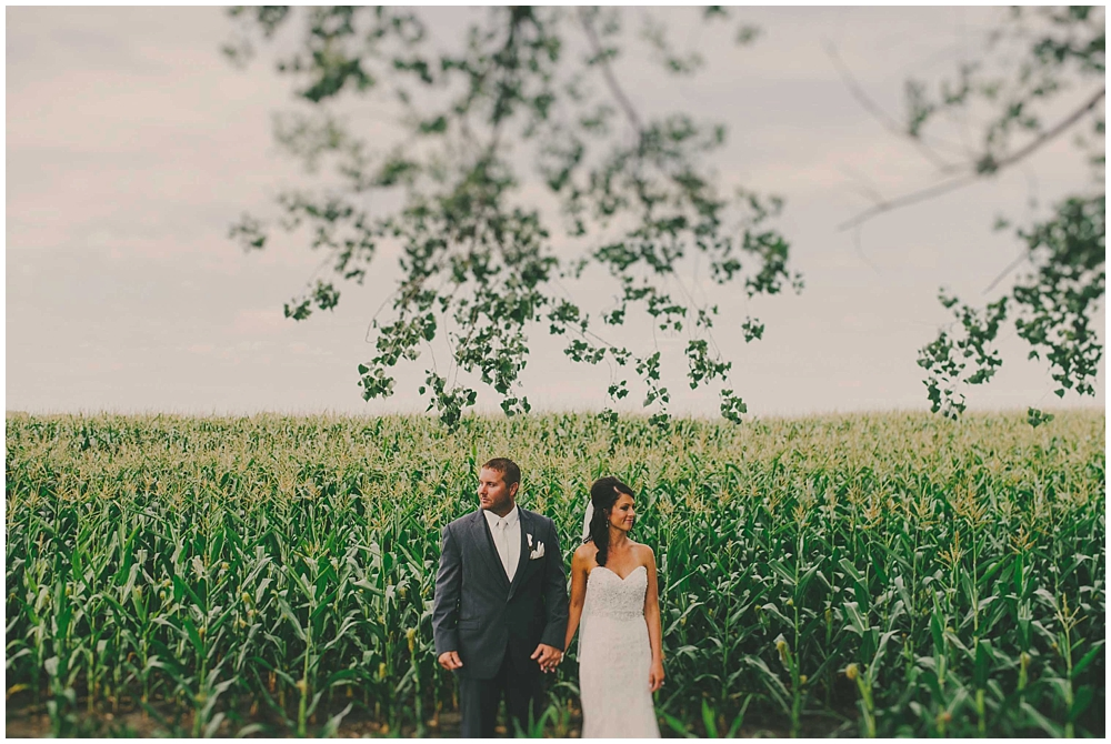 Danica-Jeff-1488_zach_davis_fargo_wedding_photographer.jpg
