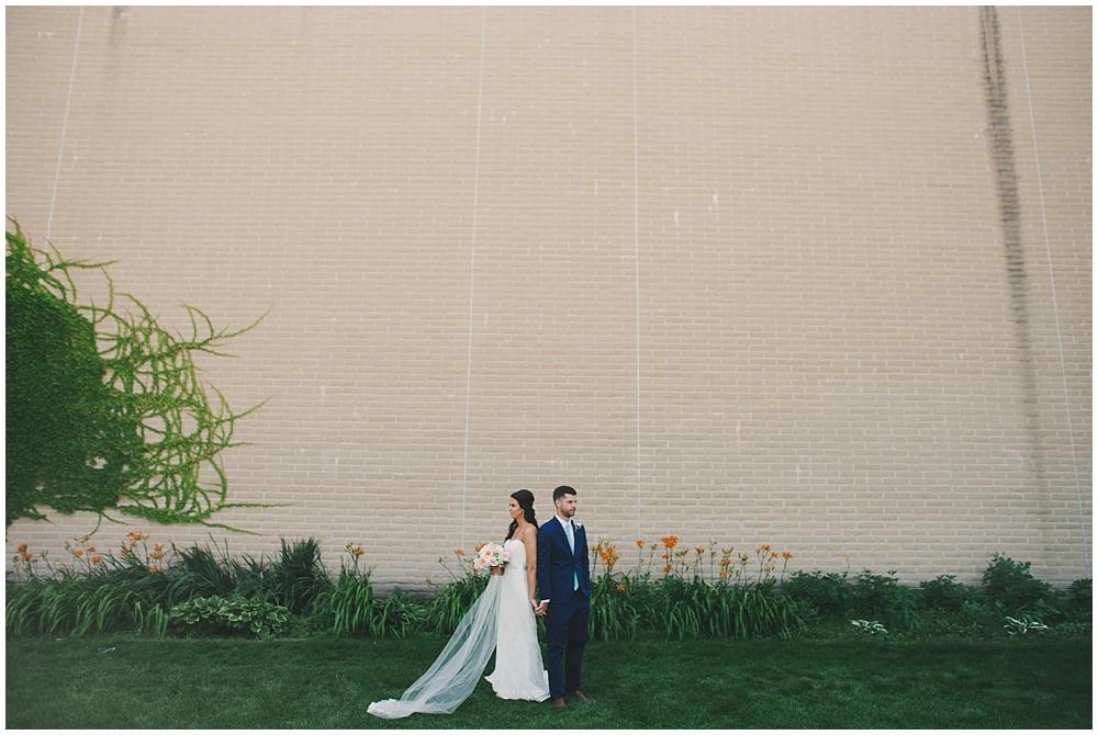 Katie-Devin-2076_zach_davis_fargo_wedding_photographer.jpg