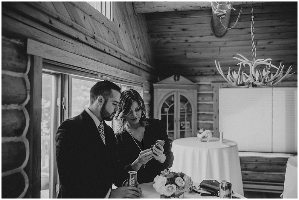 cheryl-matt-2137_zach_davis_fargo_wedding_photographer.jpg