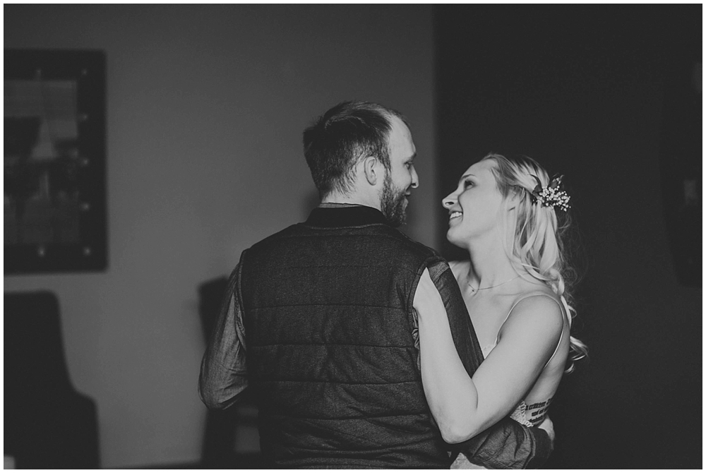 cheryl-matt-3189_zach_davis_fargo_wedding_photographer.jpg