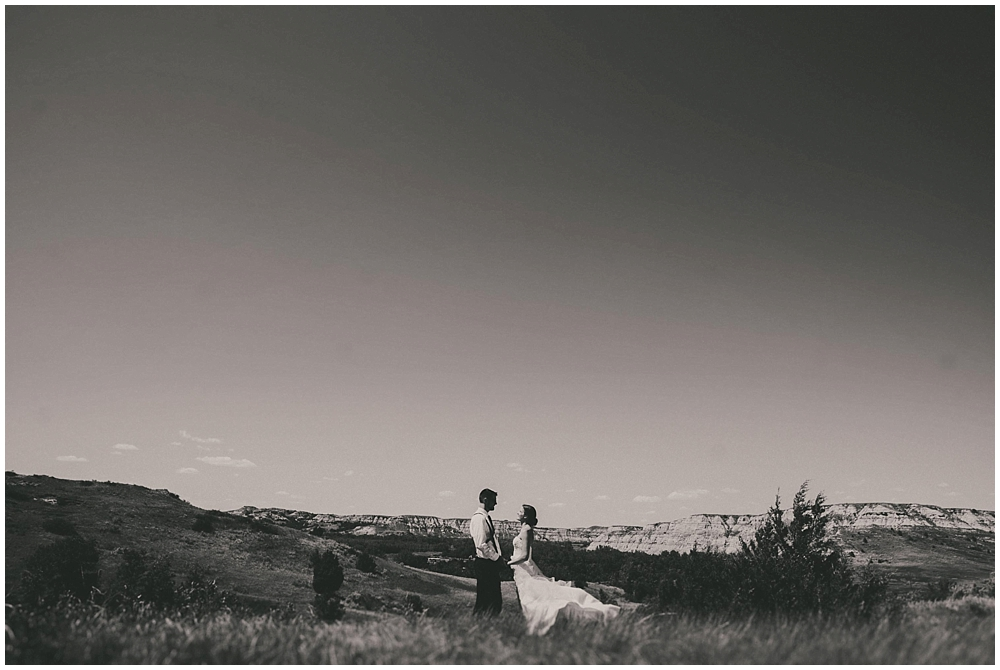 Carly-Blake-1843_zach_davis_fargo_wedding_photographer.jpg