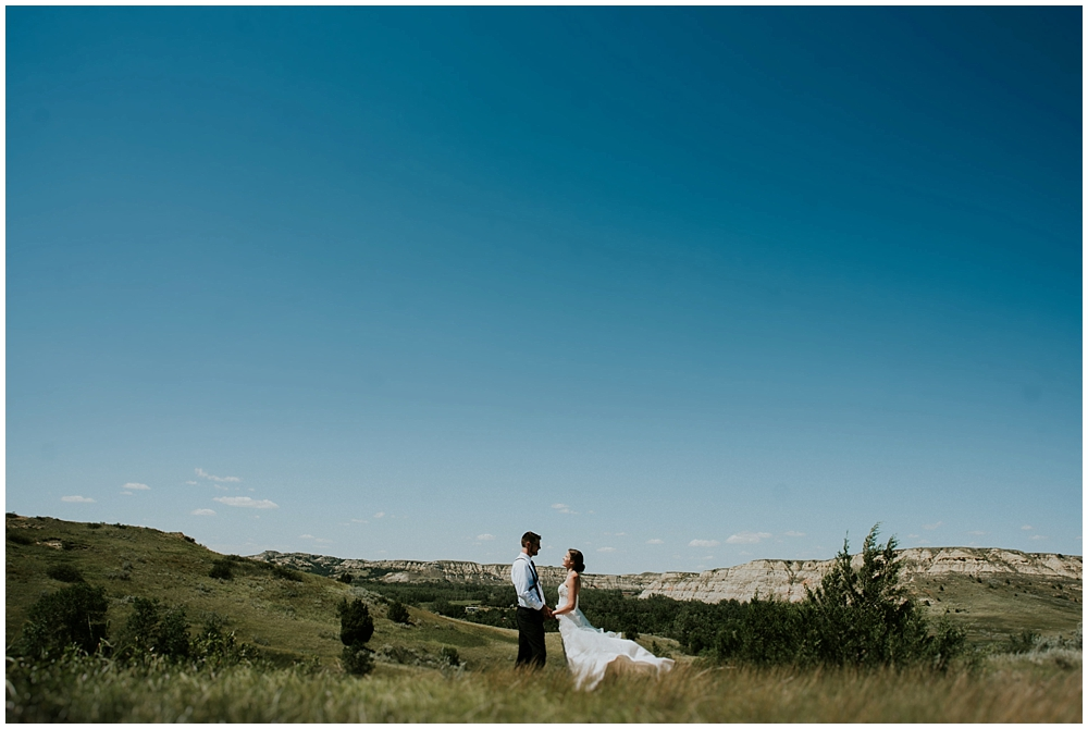 Carly-Blake-1843_zach_davis_fargo_wedding_photographer.jpg