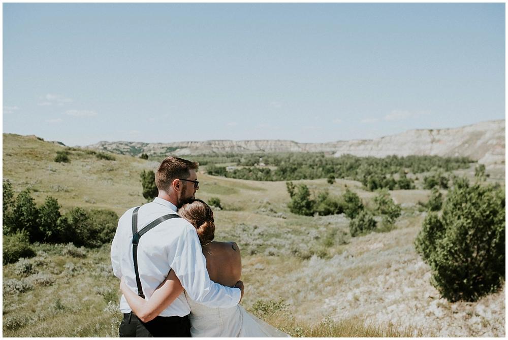 Carly-Blake-1820_zach_davis_fargo_wedding_photographer.jpg