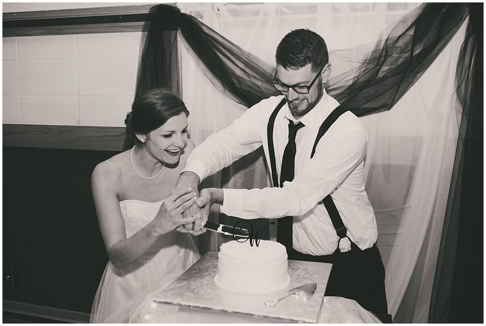 Carly-Blake-3020_zach_davis_fargo_wedding_photographer.jpg
