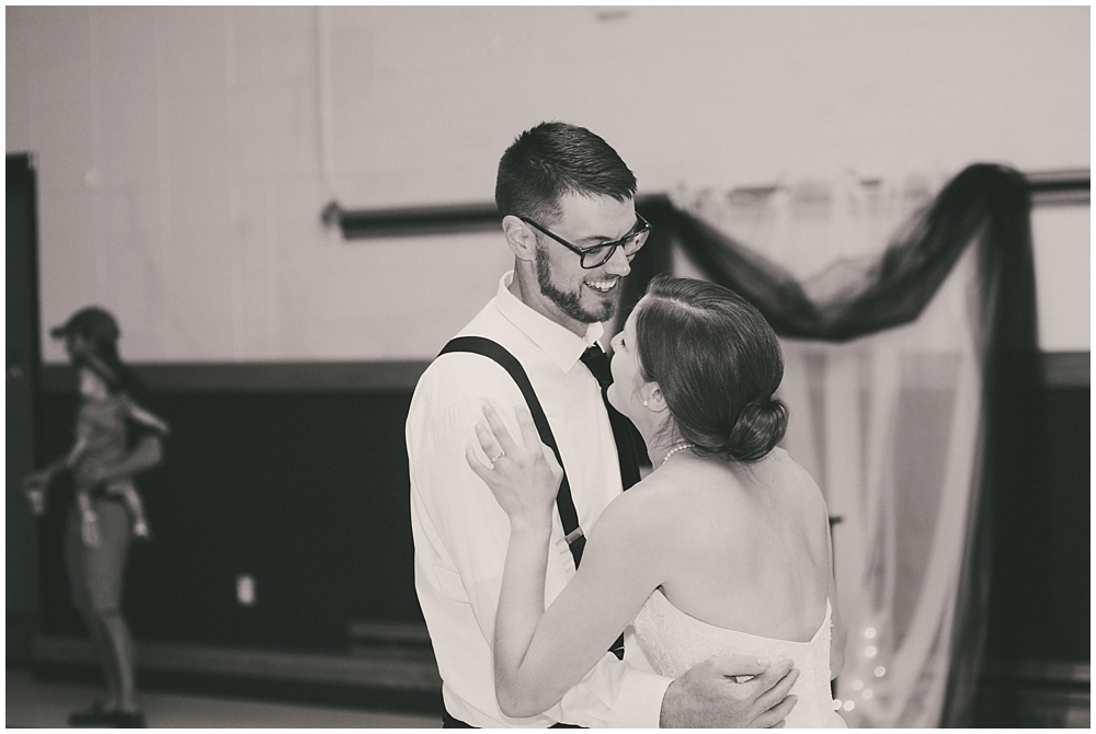 Carly-Blake-3236_zach_davis_fargo_wedding_photographer.jpg