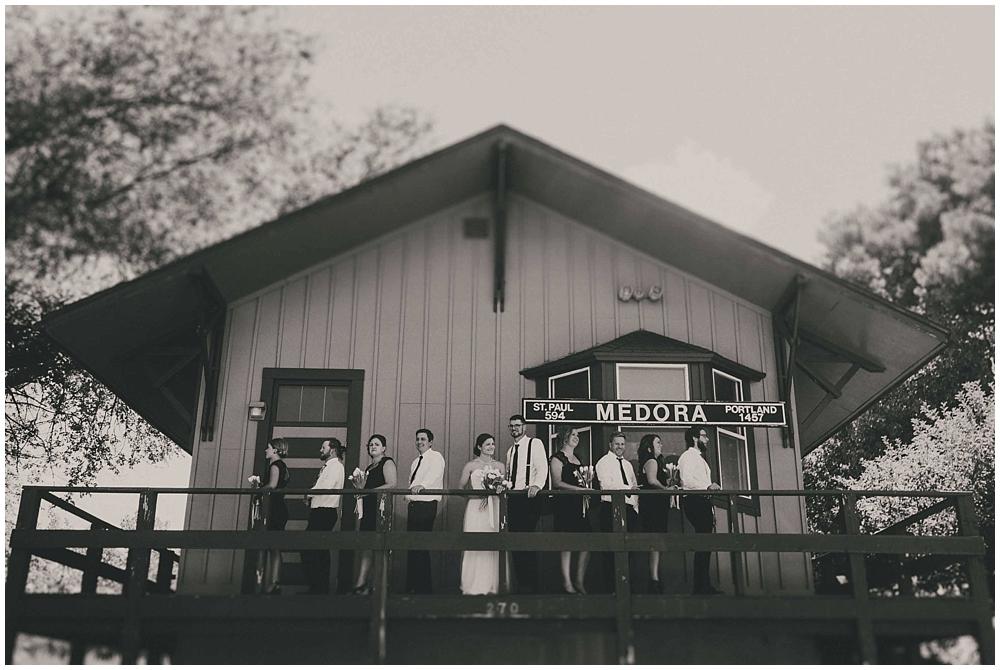 Carly-Blake-2197_zach_davis_fargo_wedding_photographer.jpg