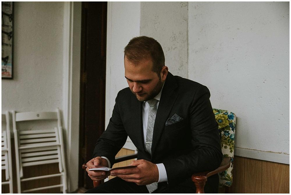 Katelyn-Jon-1401_zach_davis_fargo_wedding_photographer.jpg