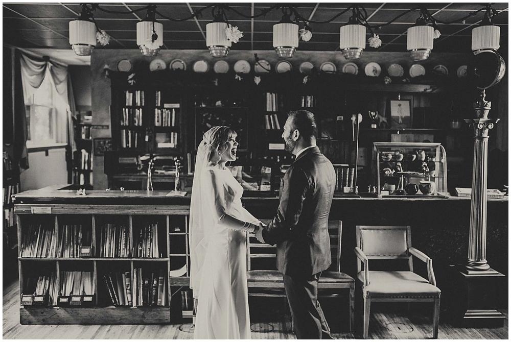 Katelyn-Jon-1587_zach_davis_fargo_wedding_photographer.jpg