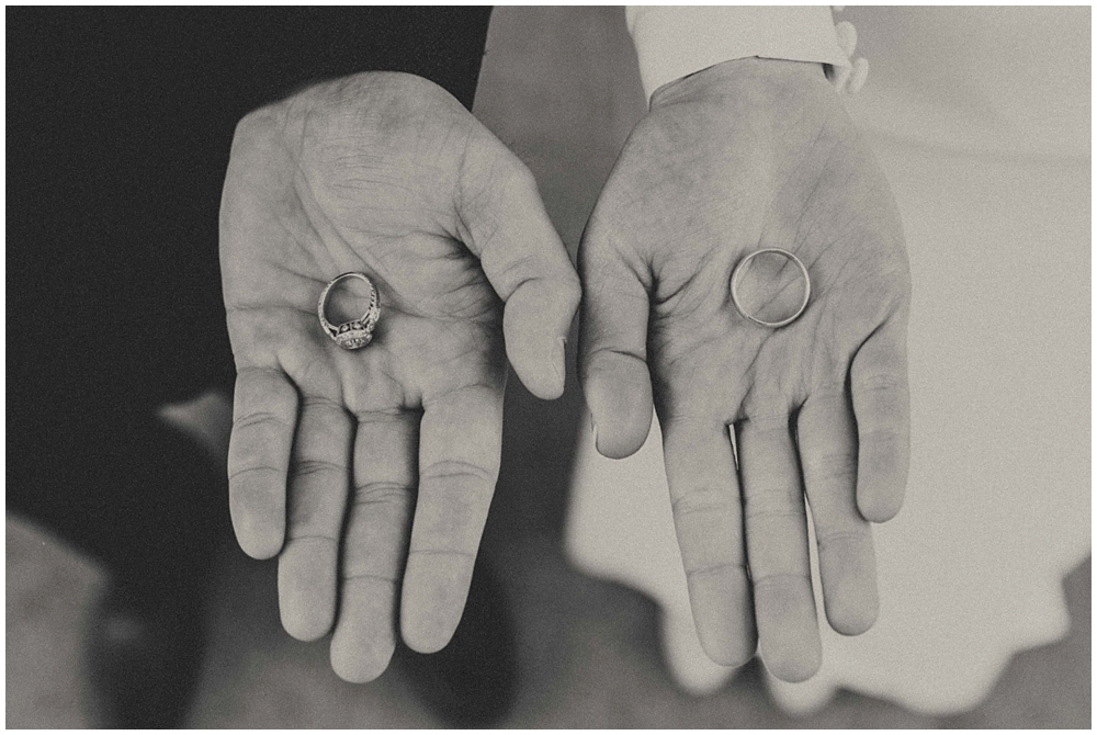 Katelyn-Jon-1871_zach_davis_fargo_wedding_photographer.jpg