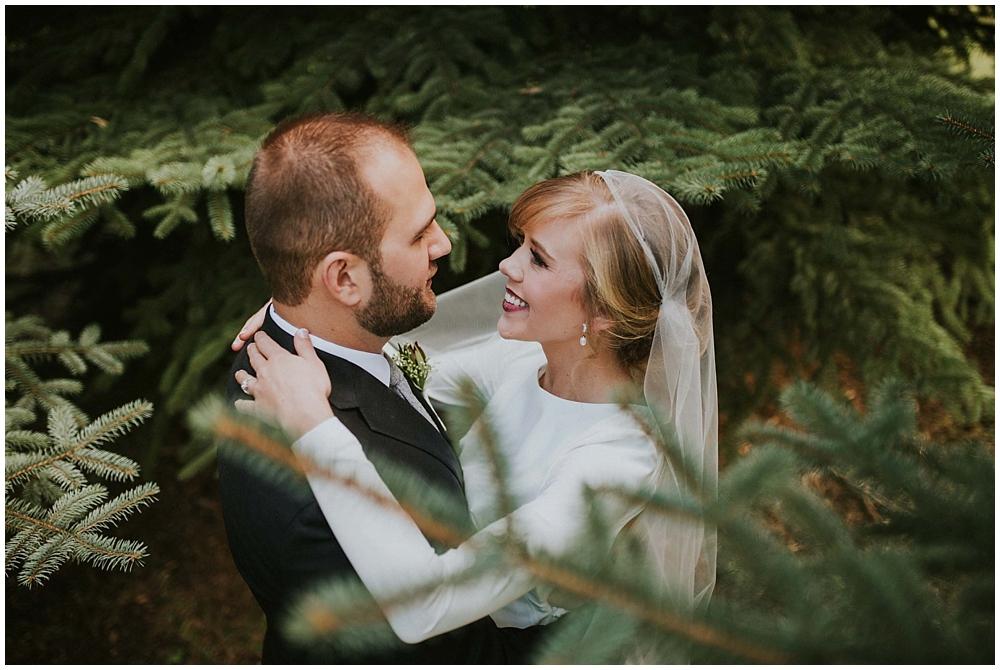 Katelyn-Jon-2119_zach_davis_fargo_wedding_photographer.jpg