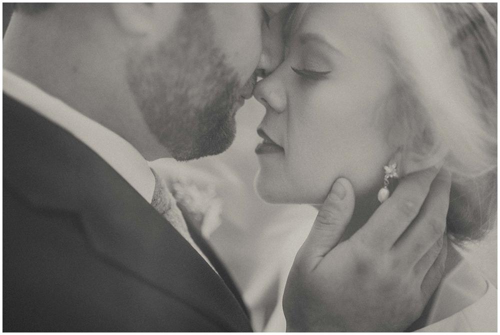 Katelyn-Jon-2271_zach_davis_fargo_wedding_photographer.jpg