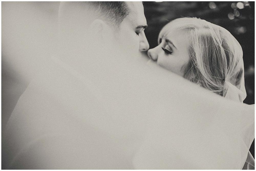 Katelyn-Jon-2263_zach_davis_fargo_wedding_photographer.jpg