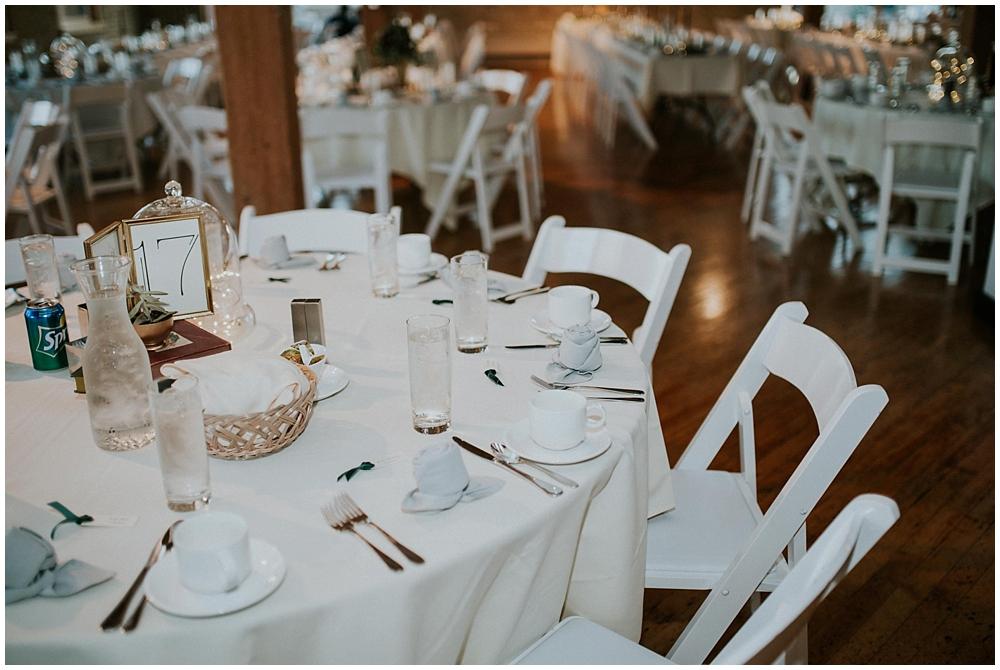 Katelyn-Jon-3978_zach_davis_fargo_wedding_photographer.jpg
