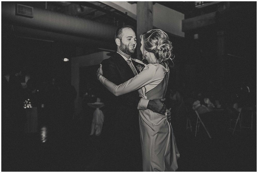 Katelyn-Jon-4411_zach_davis_fargo_wedding_photographer.jpg
