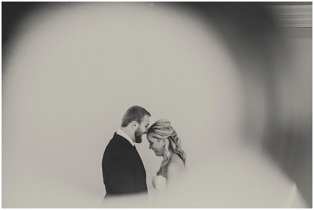 Kate-Andy-1892_zach_davis_fargo_wedding_photographer.jpg