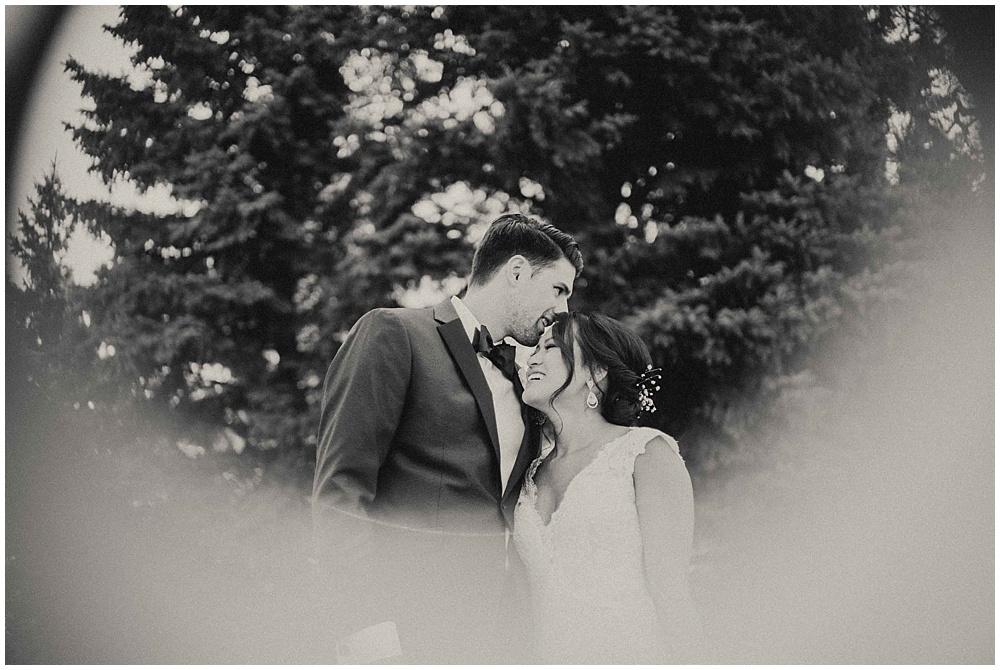 Amy-Kyle-1658_zach-davis-fargo-wedding-photographer.jpg