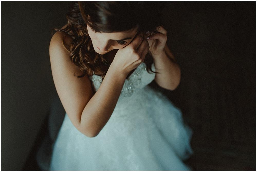 Alli-Miko-1152_zach-davis-fargo-wedding-photographer.jpg