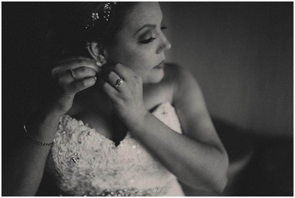Amy-Ryan-1445_zach-davis-fargo-wedding-photographer.jpg