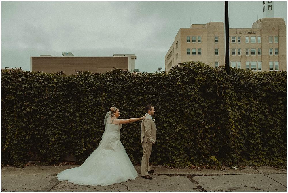 Amy-Ryan-1532_zach-davis-fargo-wedding-photographer.jpg