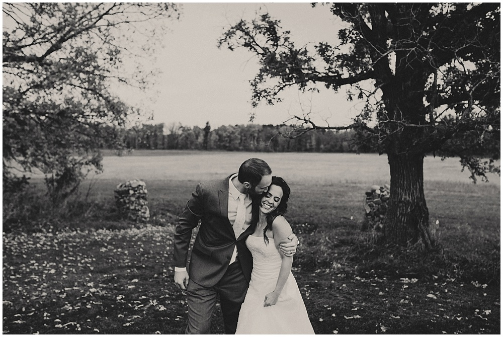 Kate-Ryan-708_zach-davis-fargo-wedding-photographer.jpg
