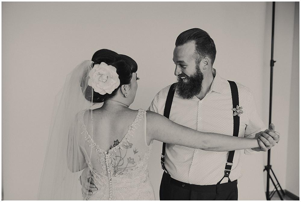 Jana-Brian-11_zach-davis-fargo-wedding-photographer.jpg