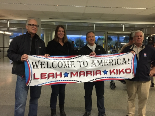 Scott, Sue, Kevin and Les welcoming the 3 Amigos at the San Francisco Airport International Arrivals.