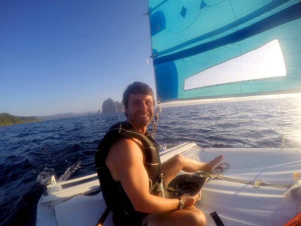 Corong Corong, Sailing