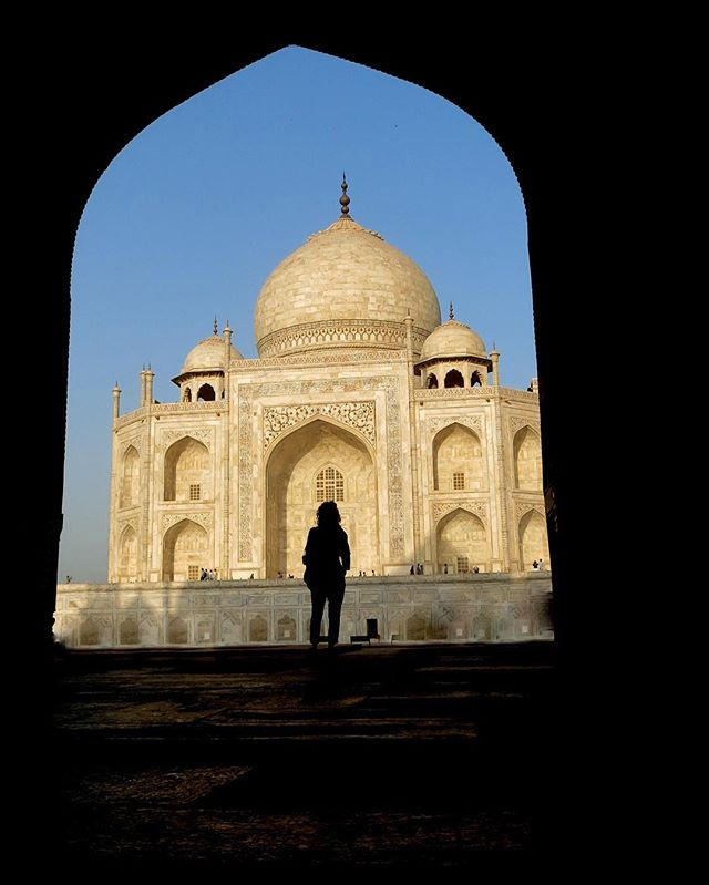 Exploring the Taj Mahal. Such a beautiful love letter. #india #agra #tajmahal #travel #travelblog #rtwchat #rtwtravel #planetwanderlust #wanderlust #worlderlust #travelgram #instatravel #coupletravel #letsgoeverywhere #igtravel #neverstopexploring #instago #passportready #huffpostgram #voyage #theeverygirltravels #yeshuffpost