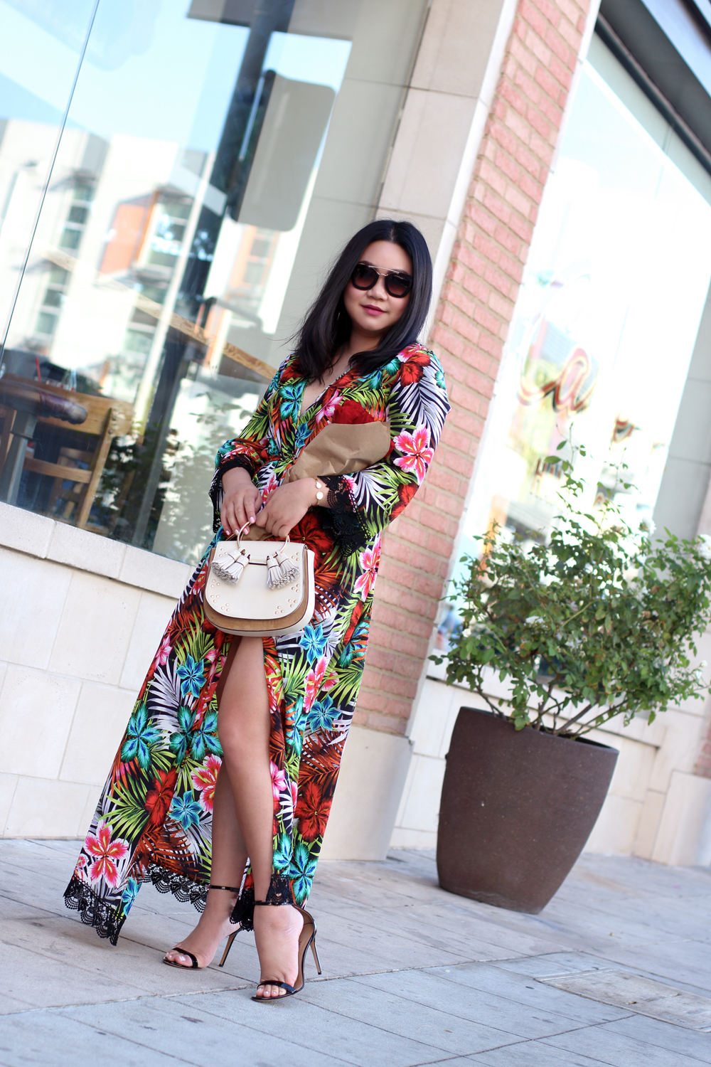 Dressy - One of my favorite ways to wear a silk kimono is a maxi dress! I love how effortlessly dressy it looks, and all I had to do was tie a bow and throw on some heels. So easy Peasy.
