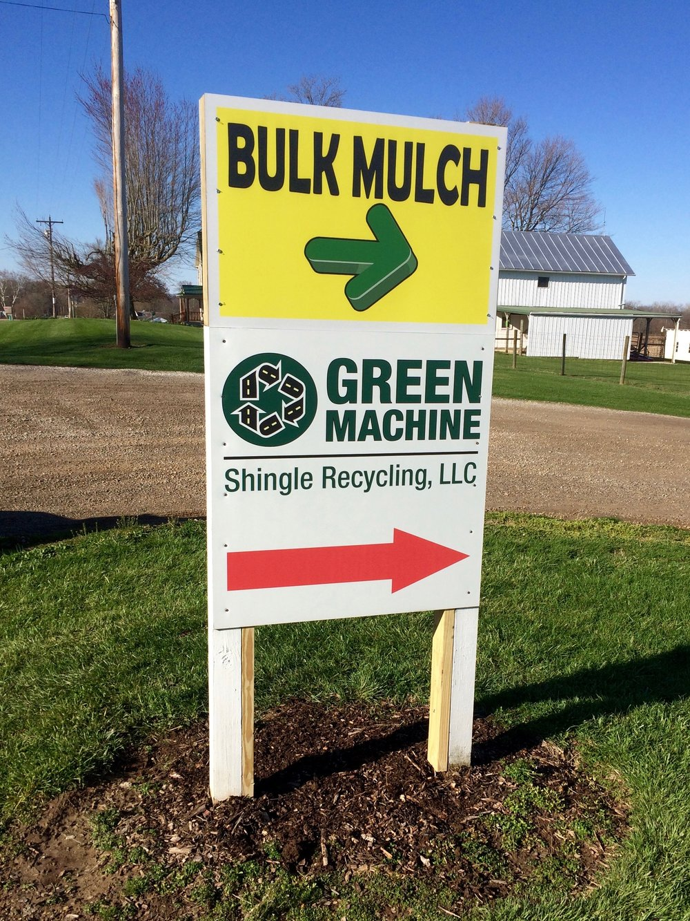 Green Machine Mulch Directional Sign