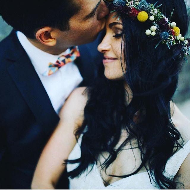Spreading some love this Friday afternoon. We hope you have a wonderful weekend. Flower crown by @marycontraryfloraldesign . . . #wedding #bride #groom #happilyeverafter #ido #weddingflowers #bridalflowers #florist #weddingflorist #sydneyflorist #love #weddinginspo #flowercrown #nativeflowers #bride #bridal #sydney #marycontraryfloraldesign #roses #flowers #rusticwedding