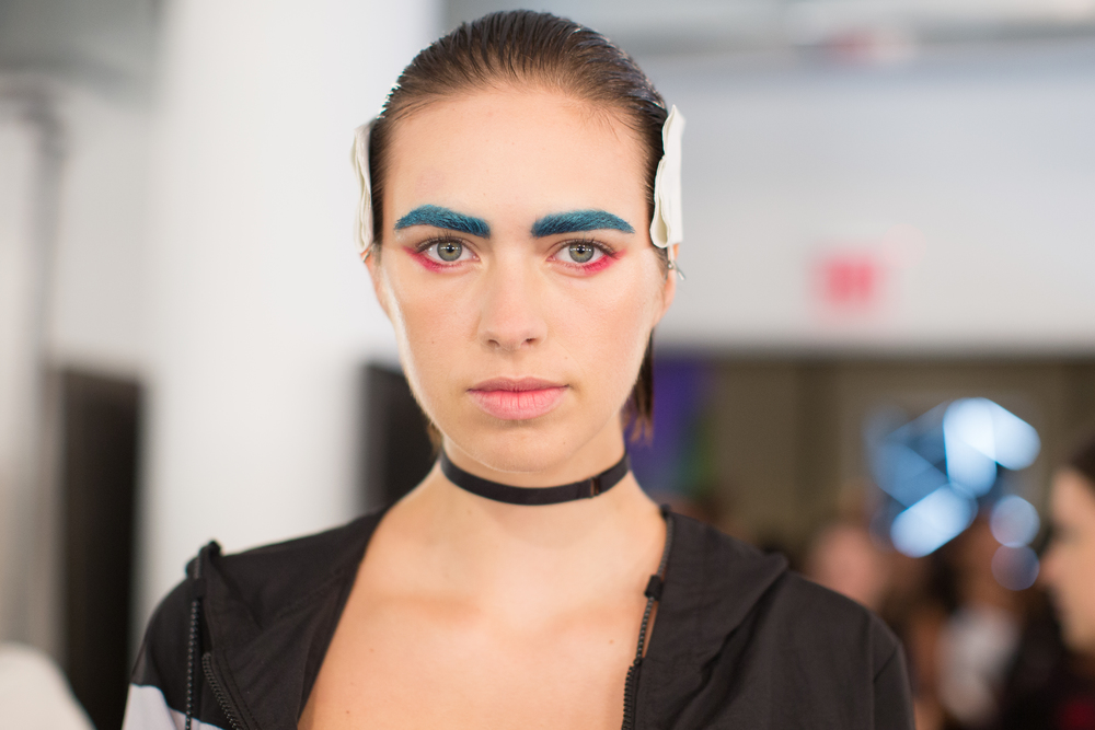 CHROMAT (Photo: Maybelline):  Brows got the Technicolor treatment with Maybelline Eye Studio Colour Tattoo 24HR in Tenacious Teal, while Lip Studio Colour Blur in Cherry Cherry Bang Bang accented the lower lash line.