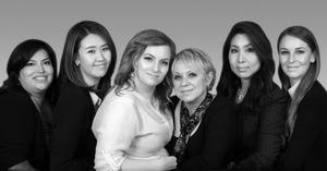 DE GAUCHE À DROITE : BROOKLYN PRIOR, KASSIA LEE, ALYSSA RIOS GARCIA, VESNA MARKOV, JESSICA IRONSIDE ET CHRISTINA DRAY