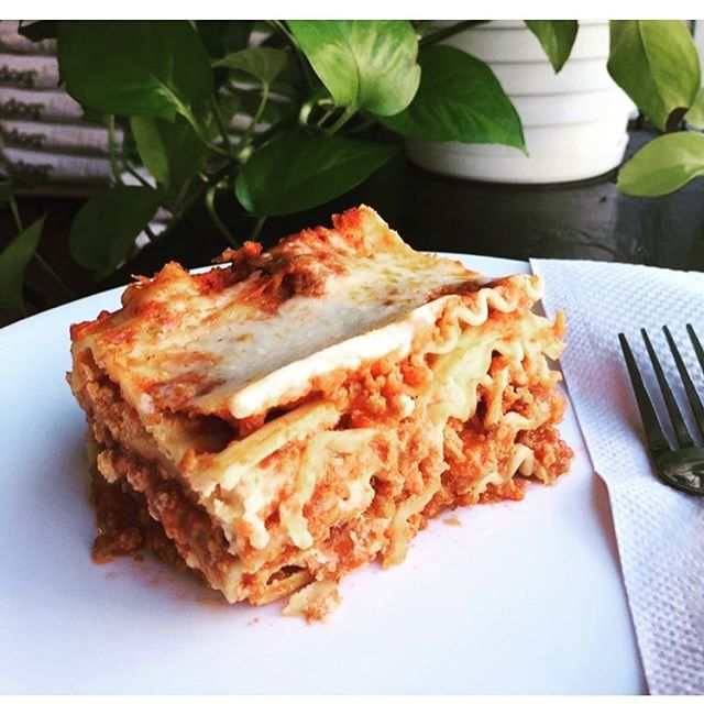 @haymakerscorner uses NUMU Vegan Mozzarella for their lasagna in the new deli! Go get yours❤️