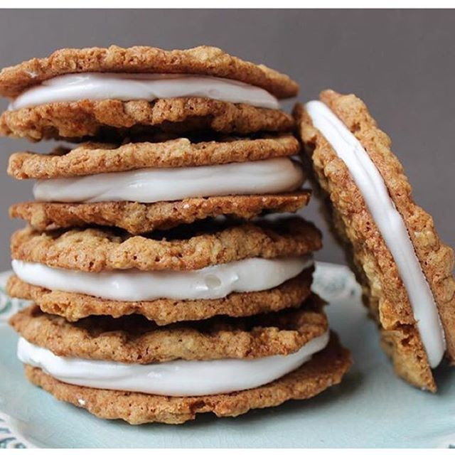 No explanation necessary. Oatmeal cream pies 🙂 #baking #cookies #baking #foodie #yum #oatmeal #pie #live