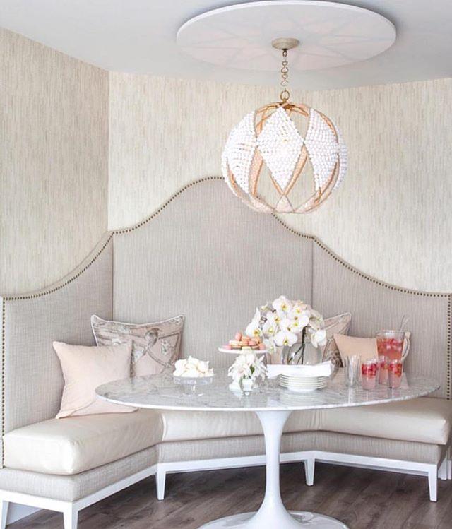 Cutest, most feminine, banquette area ever. Loving it 😍 #homedecor #kitchen #chic #home #feminine #interiordesign