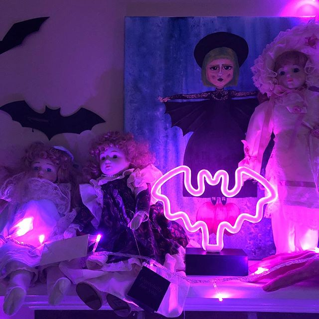 Halloween decorations in the band house are on point thanks to @capitalchristi 🎃🦇 . . . . #halloween #spirit #holiday #season #seasonaldecor #decoration #favoriteseason #bandhouse #transformation #purple #neon #bat #creepy #scary #spooky #doll #tracy #local #music #localartist #painting #mondaymotivation #mondayblues #monday #hailyourself #haveagoodday