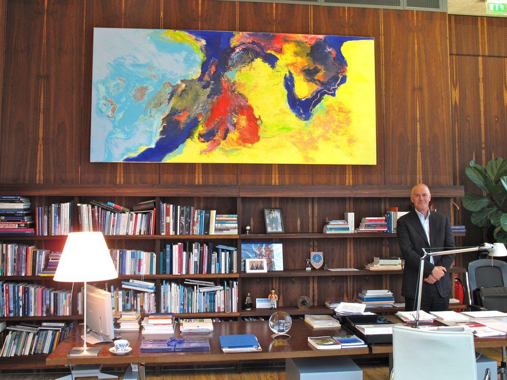 Berlijn, Nederlandse Ambassade, schilderij Oost - West 2010