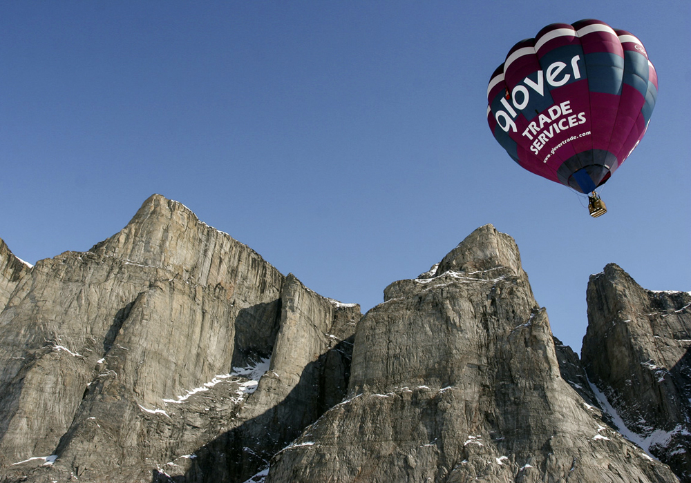 Baffin Safari guides arctic hot air balloon hosts tours.jpg