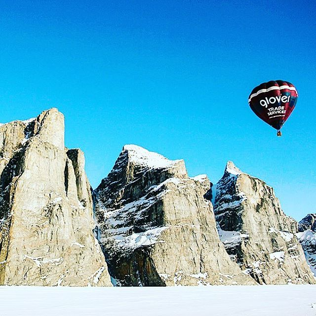 One of a kind views in the land of the north.  There are 2 small-group departure dates left for this spring... make sure you're on one of them! ❄️ #arcticadventures #hotairballoon #baffinisland #explorenunavut