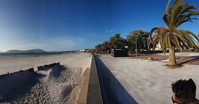 Windy at the beach 🌊 #alghero #sardegna #sardinia #travelguide #vacation #blue #italy #italia #sardegnaofficial #sea #nature #smallgrouptours