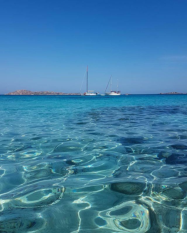 Trip along the east coast of Sardinia! #clearwater #sailing #travelguide #smallgrouptours #nicedayforaswim🏊🏻 #bellasardegna #sardinia