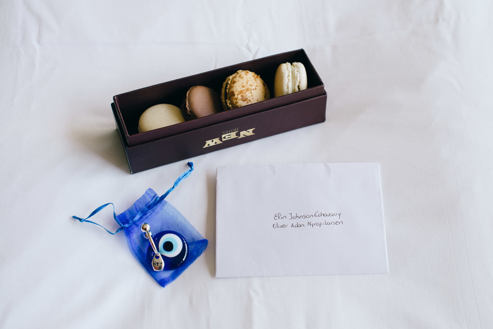 These beautiful (and very tasty) macaroons were waiting for us in our room together with a welcome note and a beautiful Matiasma amulet. Amazing!