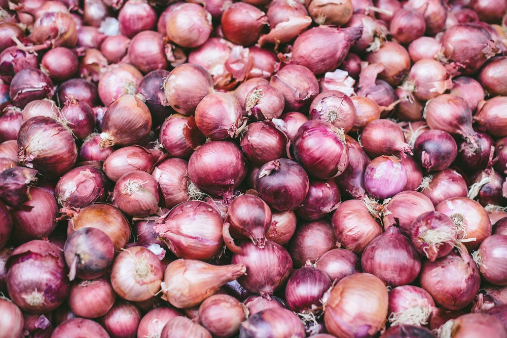market-athens-onions
