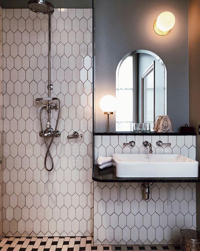 Bathroom goals much? @hoteldesgrandsboulevards . . . . . #paris #parisboutiquehotel #boutiquehotel #smallluxuryhotels #slh #smithhotels #mrandmrssmith #hiphotels #hotelreview #interiordesign #designhotel #traveldream #traveleurope #visitparis #parisianstyle #frompariswithlove #neverstopexploring #hoteldreams #vscocam #nomadlife #cityguide #pariscityguide #bathroomgoals #interiordesign #interior #bathroomdesign