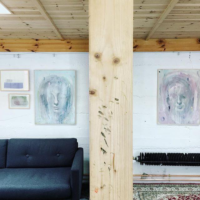 ⚡️sumUMmyndan/21.07.17 /tórshavn/frí bar og opið frá 14-19🤘⚡️ -  #painting #indretning #architecture #danskkunst #samtidskunst #contemporaryart #modern #kadkdk #royal #selfie #analog #not #lecorbusier #nor #scarpa #ink #fine #fineart #transformation #visitfaroeislands #torshavn #chillin #kunst #nordiskehjem #portrait #portrait #exhibiton #home #abstract #expressionism #exhibiton #interiordesign