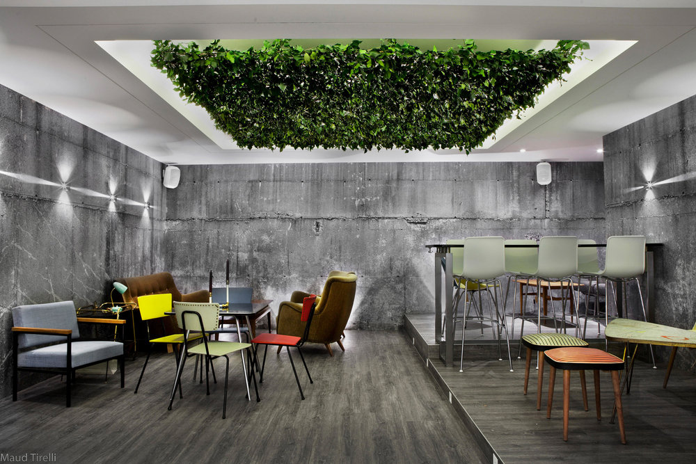 wall03-yatus-bar-switzerland-b.jpg