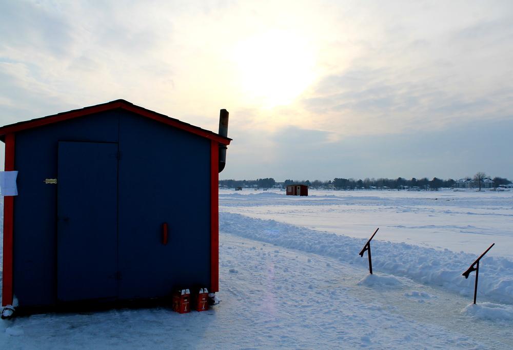 Pêche blanche sur le lac de Venise-En-Québec, Qc