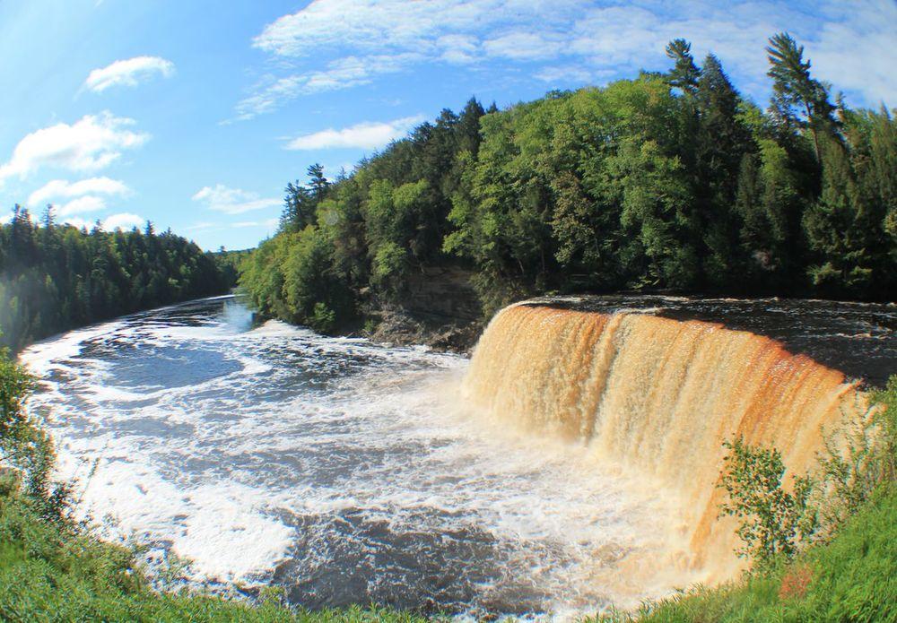 Upper Falls, Tahquamenon Falls State Park, MI, USA