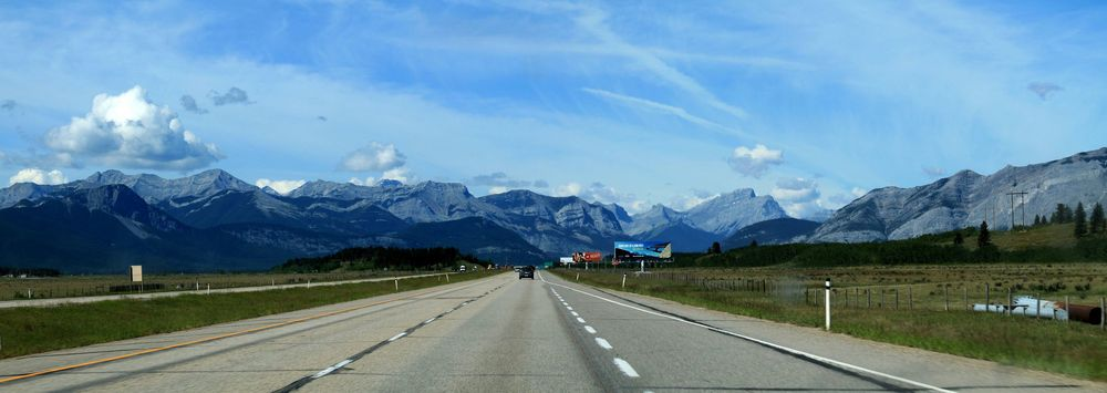 On the Road, direction Kananaskis, AB, CA
